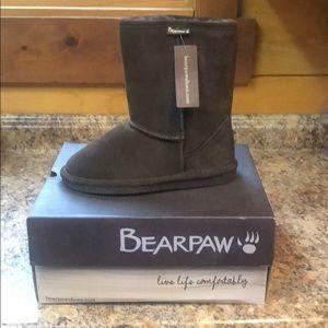 Bearpaw Eva Short.  Chocolate. New with box!